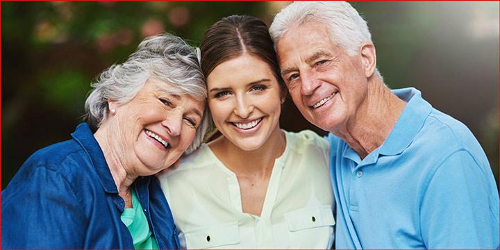 ارائه خدمات و هزینه پرستار سالمند در منزل