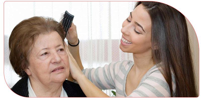 خصوصیات پرستار سالمند در منزل