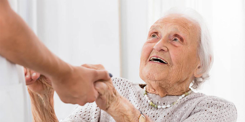 وظایف پرستار سالمند در منزل