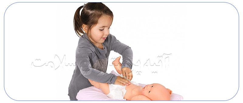 خدمات نگهداری از کودک در منزل