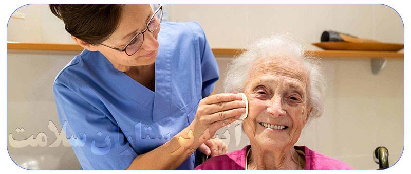 مزایای پرستار برای مراقبت از سالمند