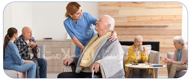 پرستار حرفه ای سالمند