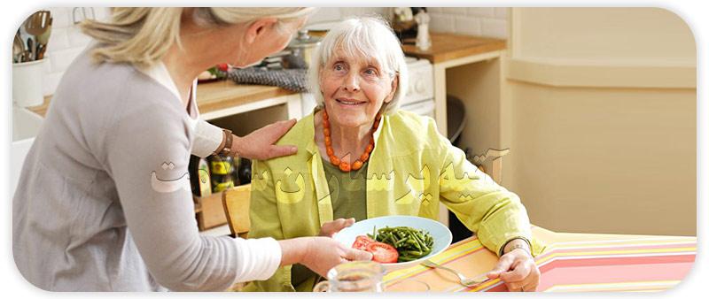 مزایای نگهداری از سالمند شبانه روزی در منزل و مراقبت