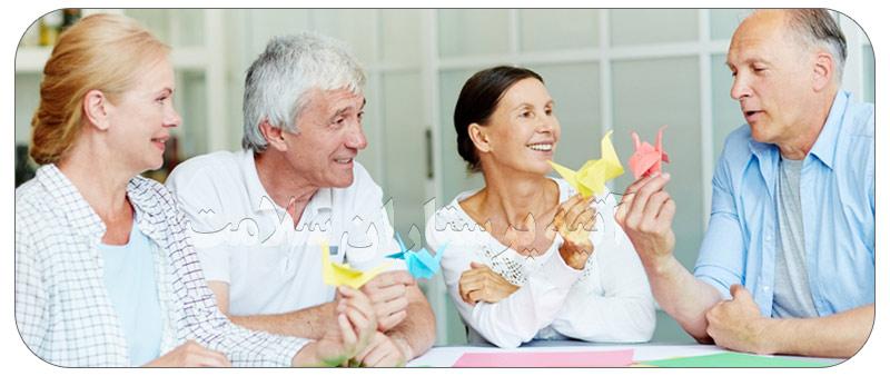 9 روش چگونه سالمندان را در خانه سرگرم کنیم